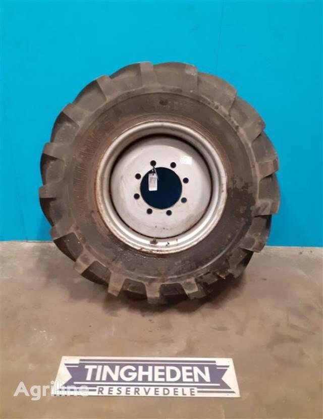 460/70R24    (17.5 LR 24) wheel
