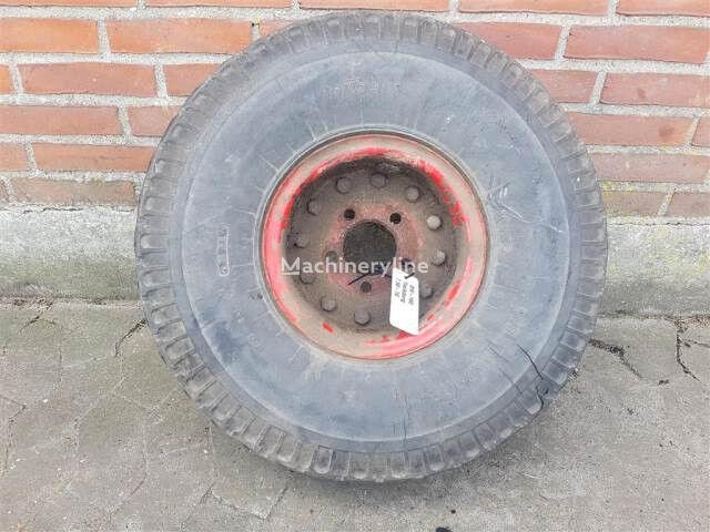 Trelleborg 7.50-10 wheel