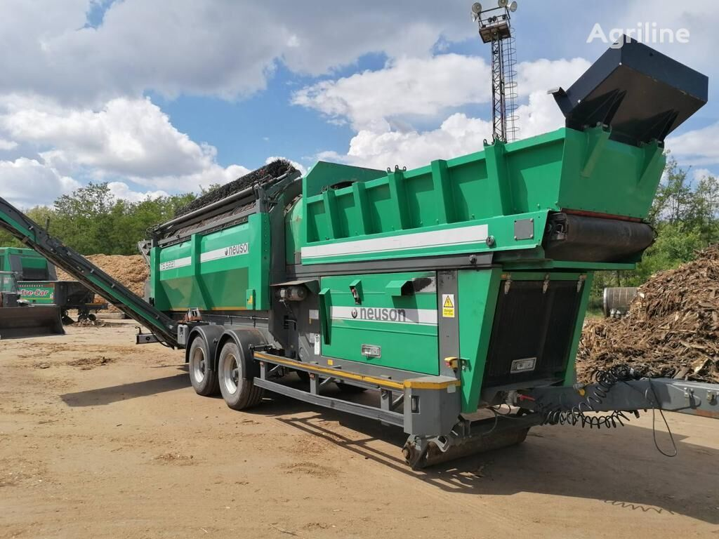 NEUSON TS5221  wood chipper